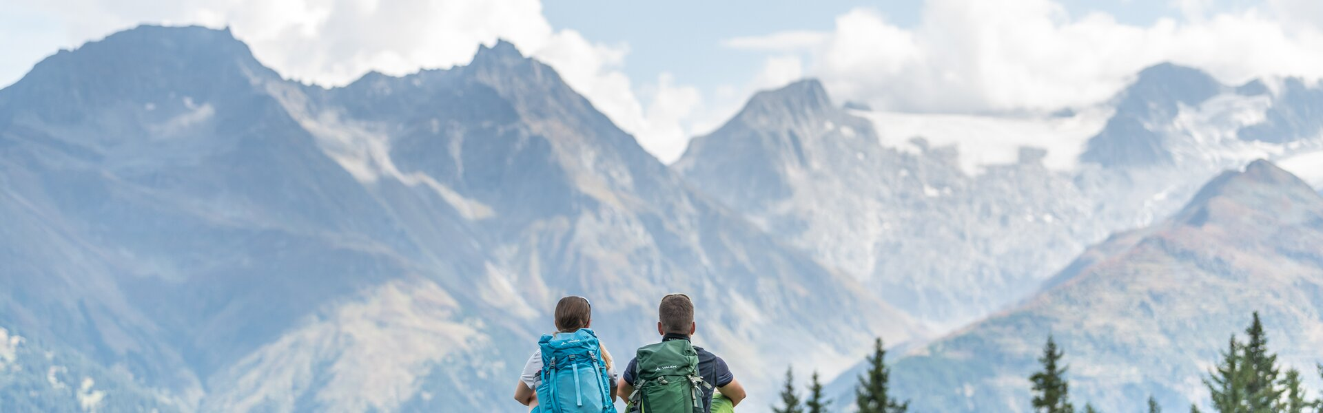 hiking trip with arosa card | © Mattias Nutt Photography